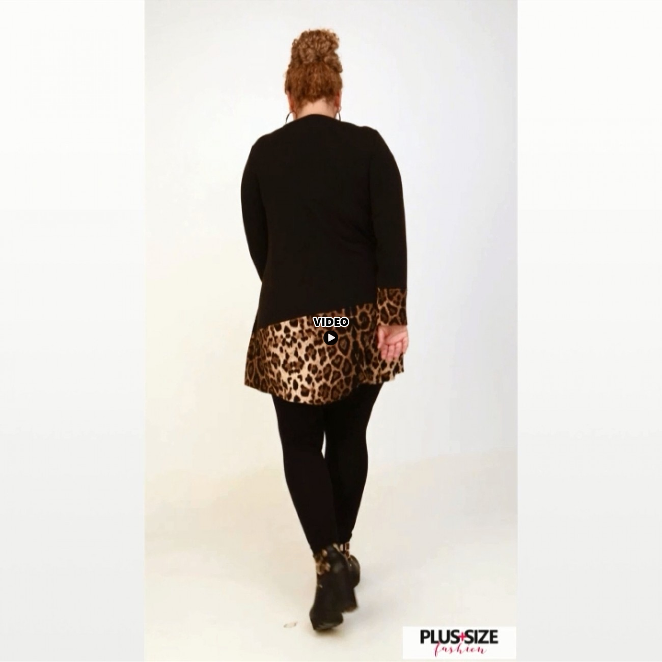 B20-2020 Knitted Blousedress with animal print