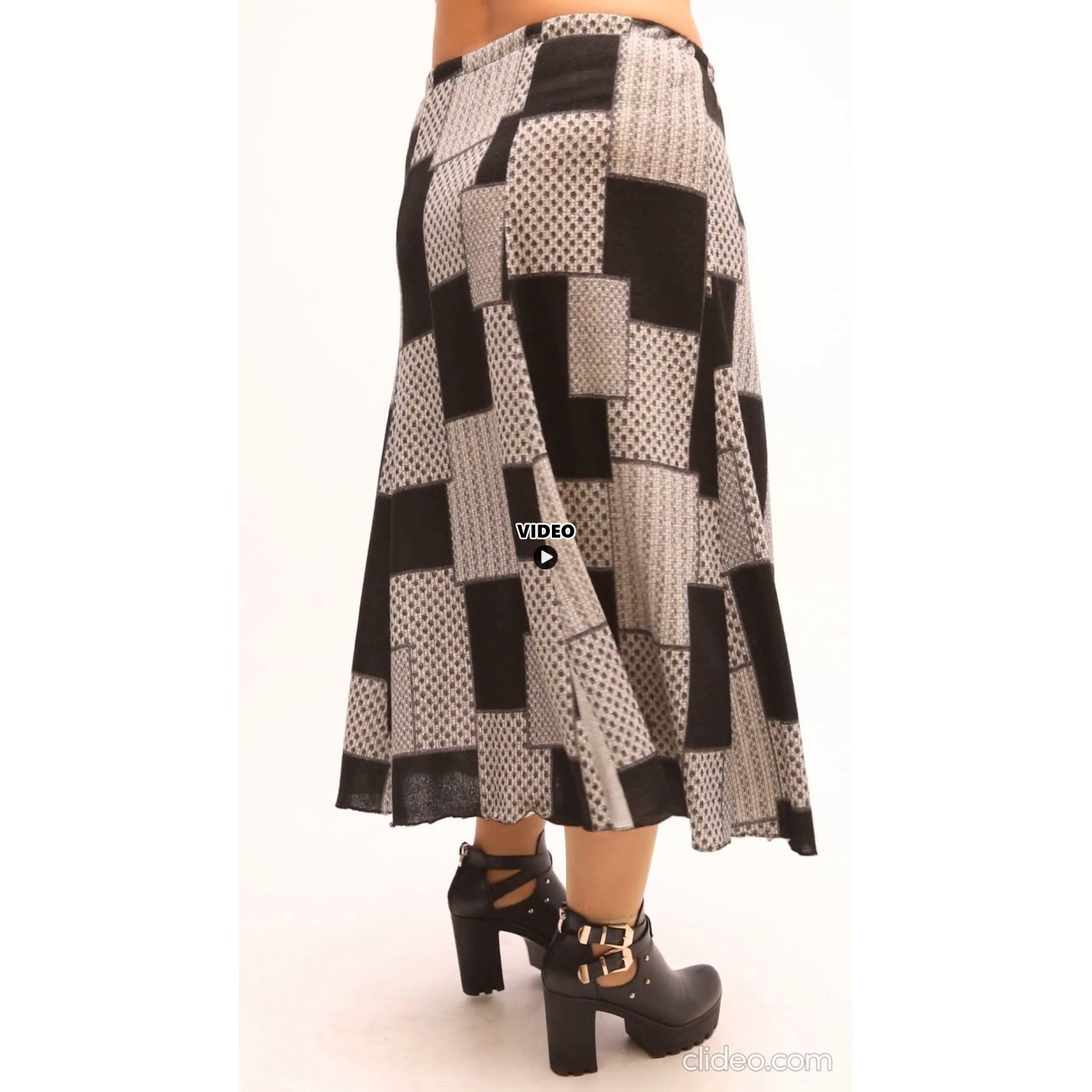 B21-5860 Knitted closh skirt with elastic band