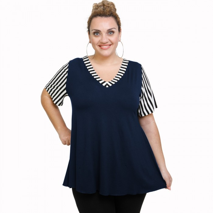 A21-589 Blouse with pattern - Navy Blue